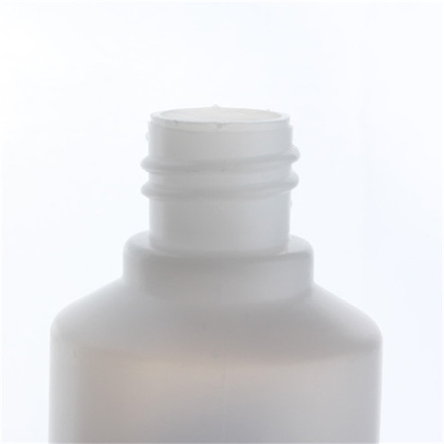 neck of glue bottle-- details of glue bottle