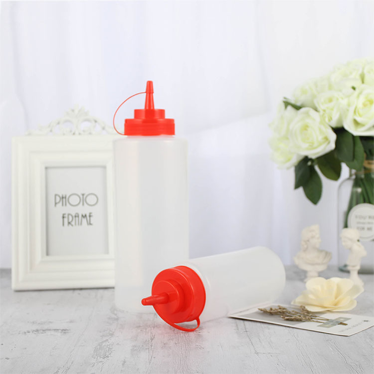 squeeze ketchup bottle